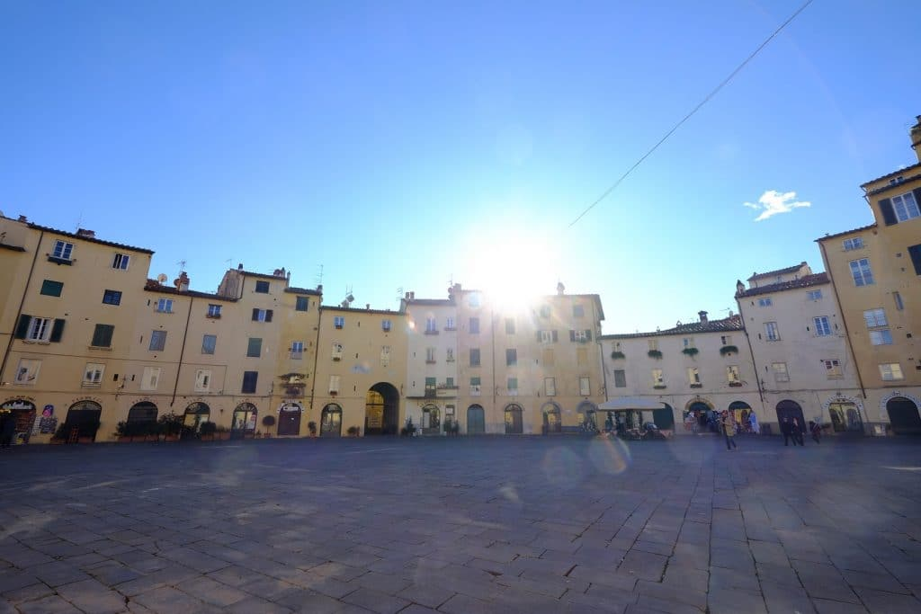 Piazza dell'Anfiteatro Toscane blog voyage LoveLivetravel