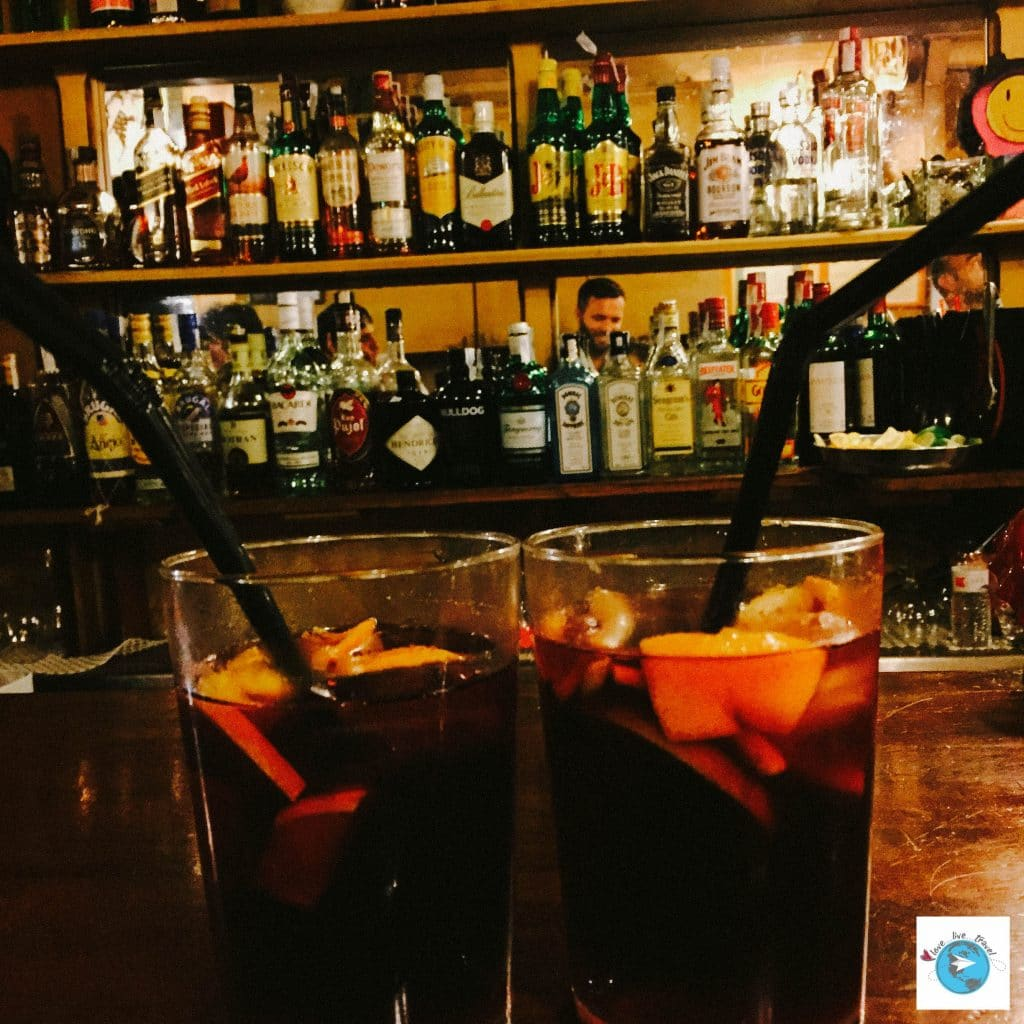 Sangria Barcelone blog voyage LoveLiveTravel