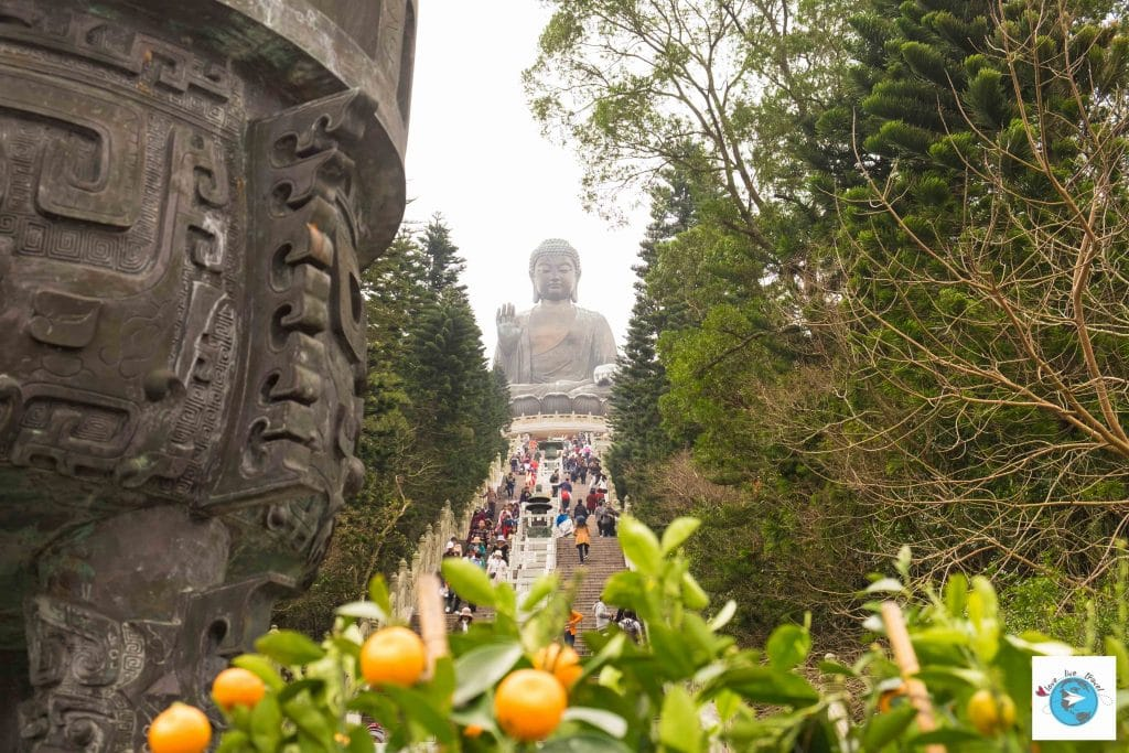 Po Lin Grand Bouddha Hong Kong Ile Lantau blog voyage LoveLiveTravel