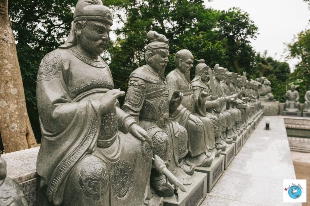 monastère 10000 bouddhas Hong-Kong blog voyage LoveLiveTravel