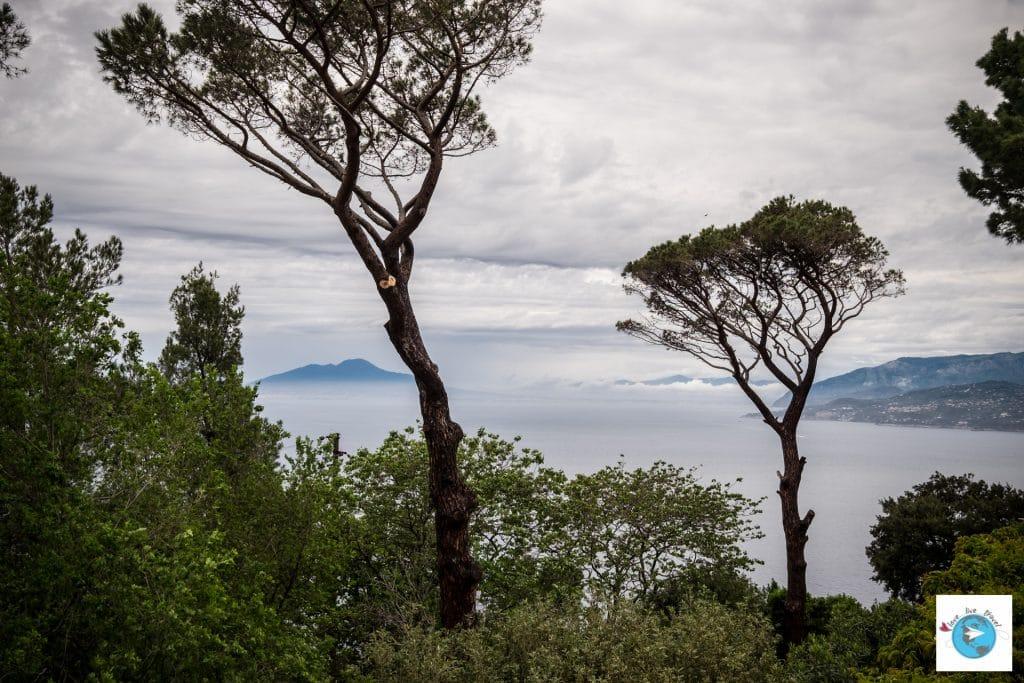 Capri vesuve boat Italie blog voyage Love Live Travel