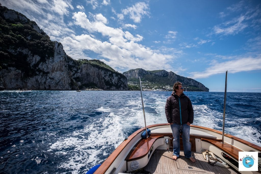 Capri giannis boat Italie blog voyage Love Live Travel