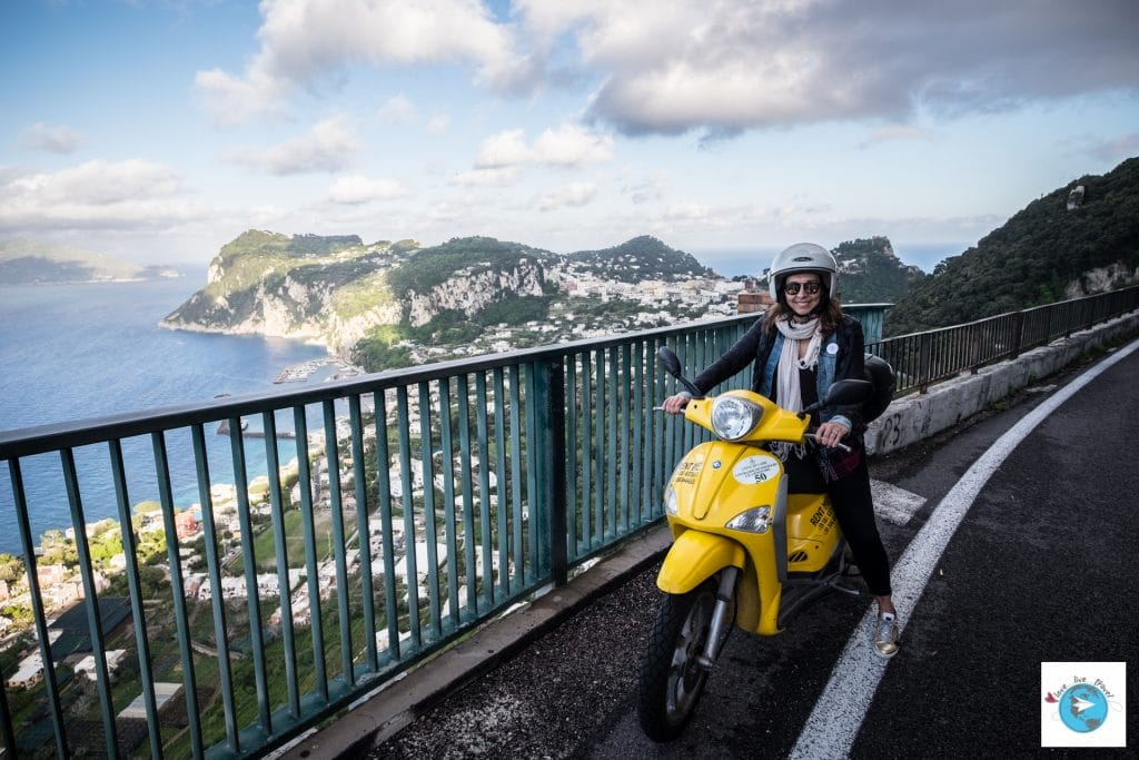 Capri scooter Italie blog voyage Love Live Travel