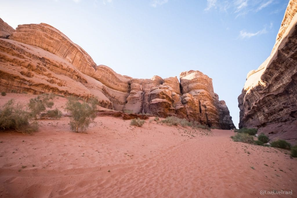 Wadi rum Jabel Khazali Canyon Roadtrip Jordanie blog voyage Love Live Travel