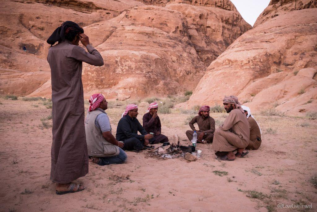 Wadi rum Roadtrip Jordanie coucher soleil blog voyage Love Live Travel