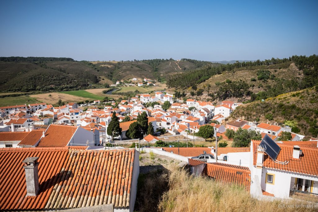 Aljezur Algarve Portugal road trip blog voyage LoveLiveTravel