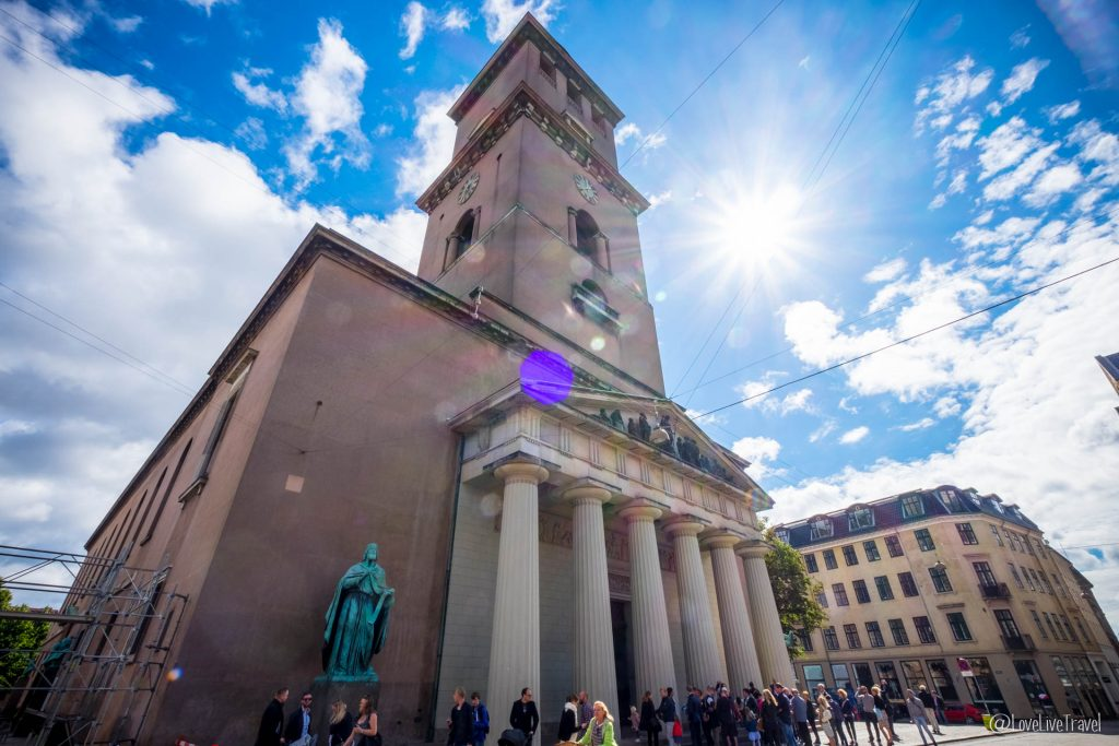 Eglise notre-dame Copenhague Danemark blog voyage lovelivetravel