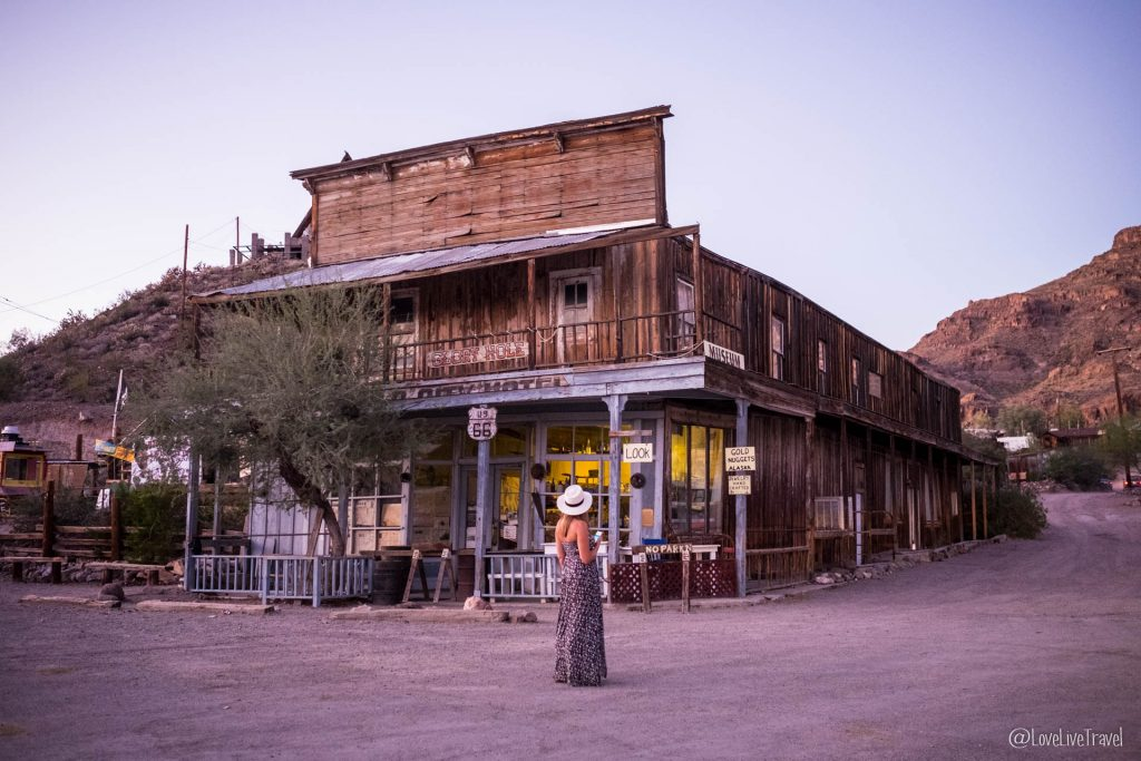 oatman Road trip USA route 66 blog voyage lovelivetravel