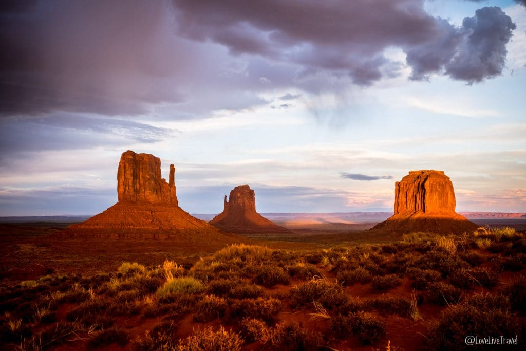 Monument Valley Valley drive Road trip USA blog voyage LoveLiveTravel