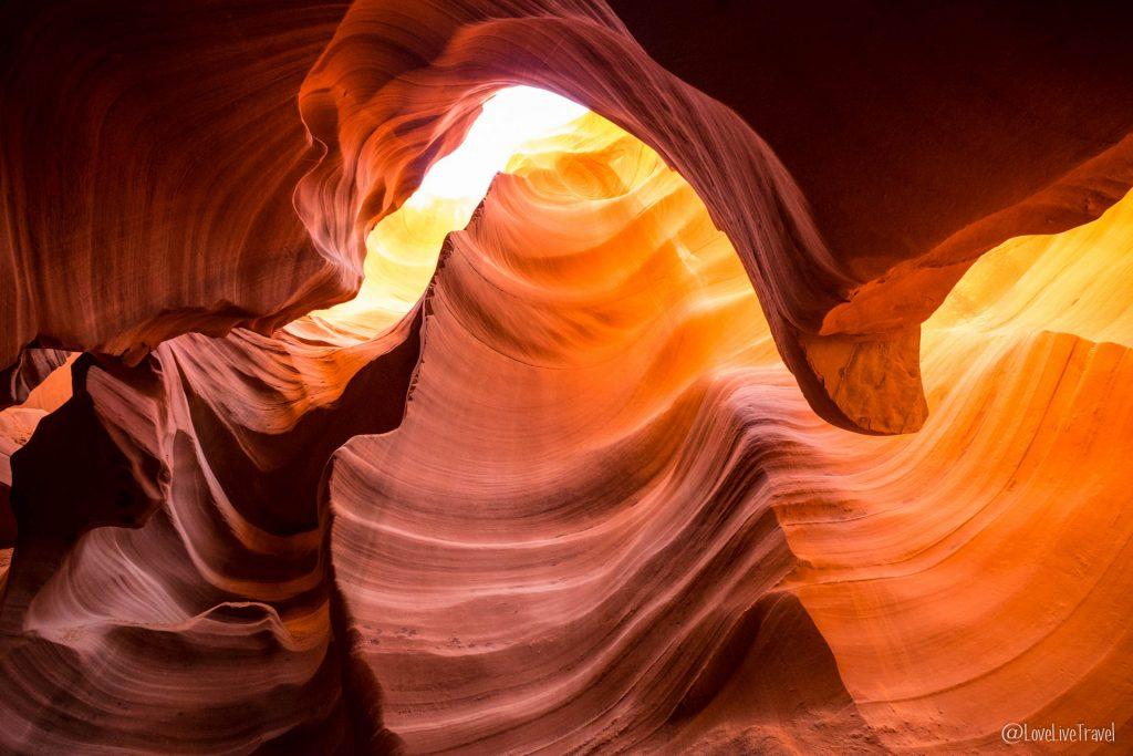 Antelope Canyon lower road trip usa blog voyage lovelivetravel
