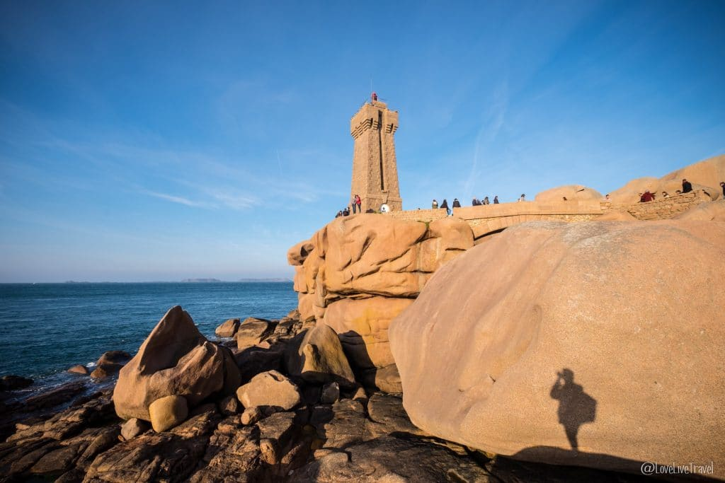 bretagne-france-blog-voyage-lovelivetravel cote de granit rose phare de Ploumanac'h