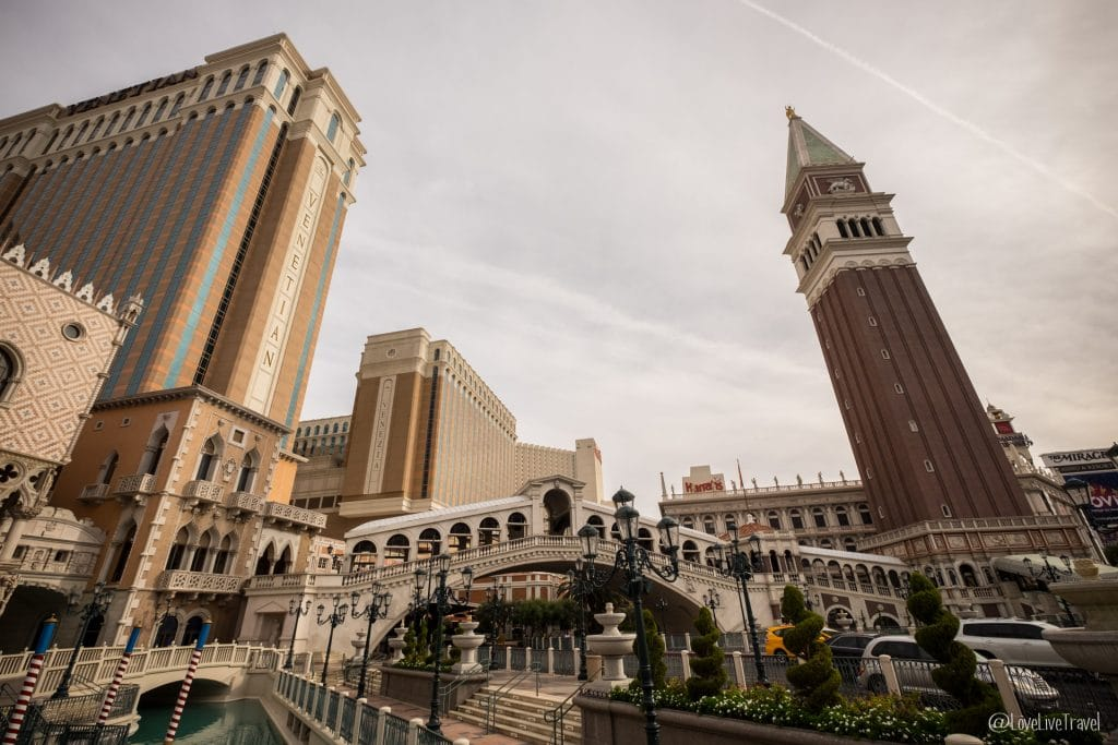 Las Vegas venetian Nevada Road trip USA blog voyage LoveLiveTravel