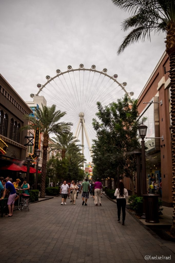 Las Vegas linq panneau Nevada Road trip USA blog voyage LoveLiveTravel