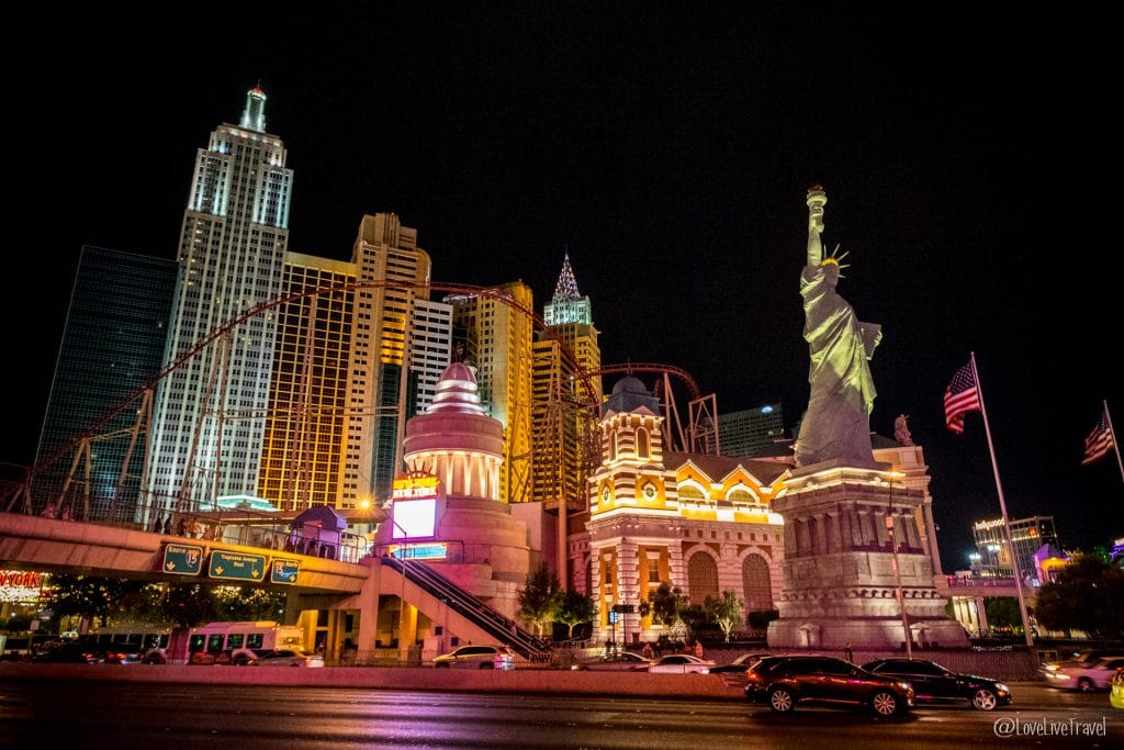 Las Vegas strip panneau Nevada Road trip USA blog voyage LoveLiveTravel