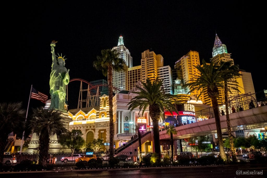 Las Vegas new-york panneau Nevada Road trip USA blog voyage LoveLiveTravel