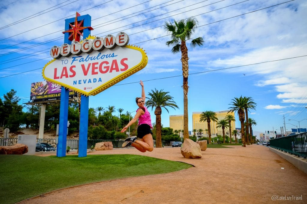 Las Vegas welcome Nevada Road trip USA blog voyage LoveLiveTravel