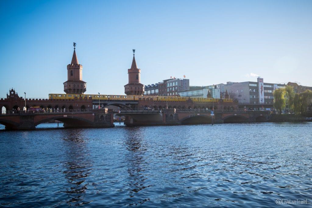 pont oberbaumbrucke Berlin Allemagne blog voyage Lovelivetravel