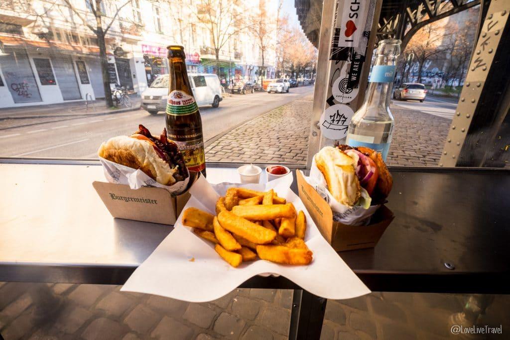 Burger meister Berlin Allemagne blog voyage Lovelivetravel