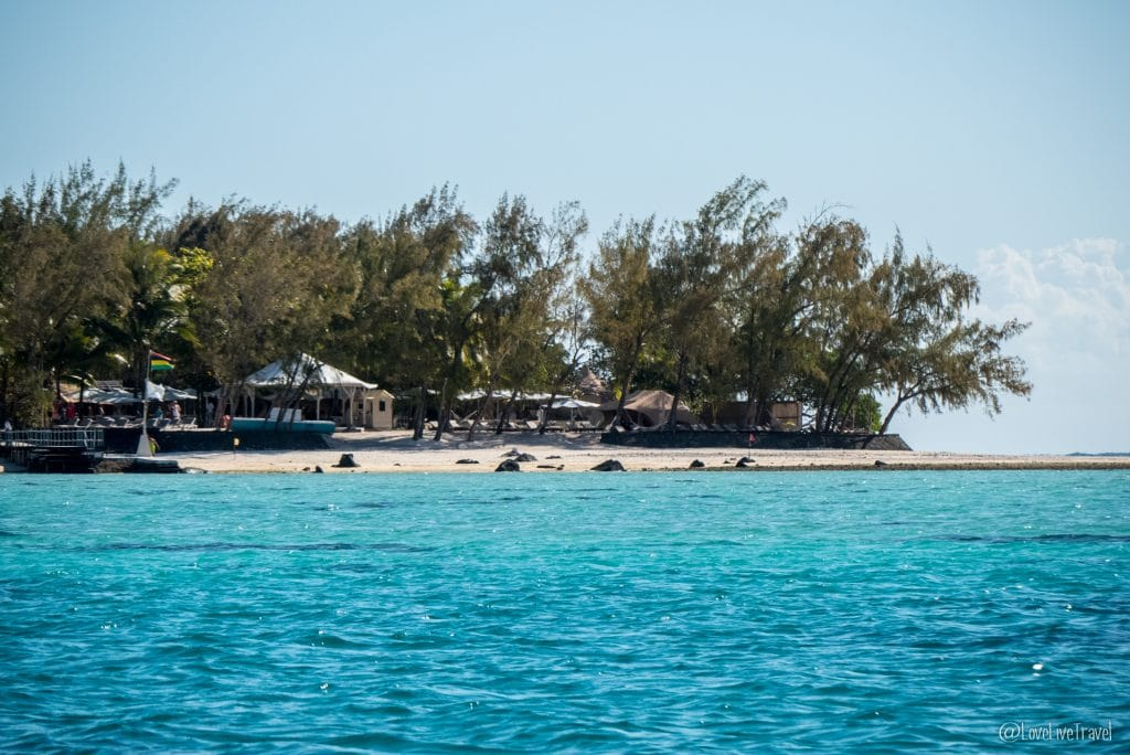 BLUE BAY BEACH ile aux 2 cocos ile maurice blog voyage lovelivetravel