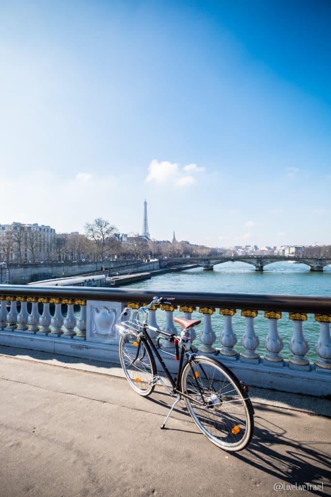 pont alexandre III paris 9 lieux insolites complètement paris france blog voyage lovelivetravel
