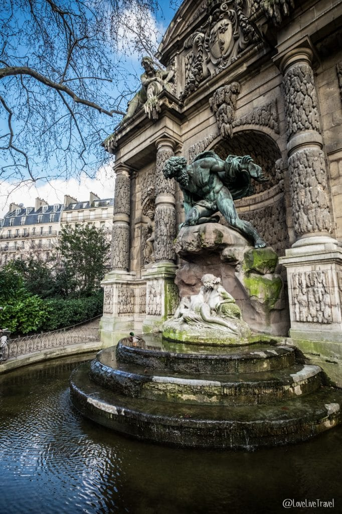 fontaine médicis paris 9 lieux insolites complètement paris france blog voyage lovelivetravel