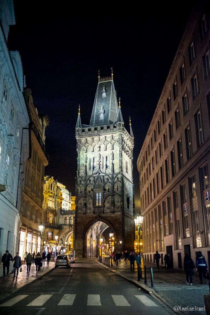 tour poudrière Prague république tchèque blog voyage lovelivetravel