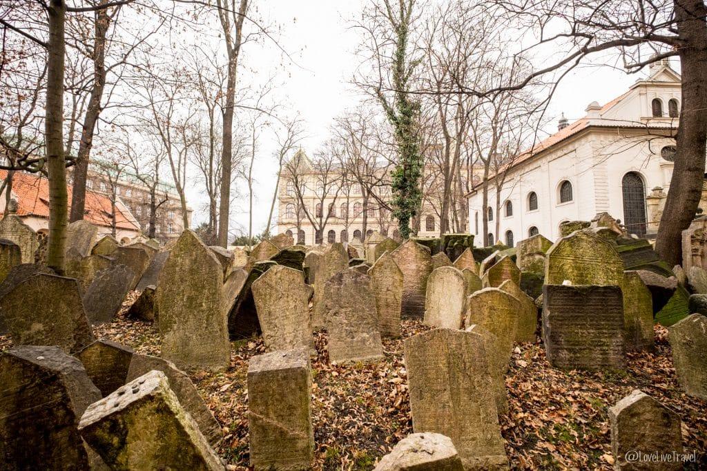 Vieux cimetière juif Prague république tchèque blog voyage lovelivetravel