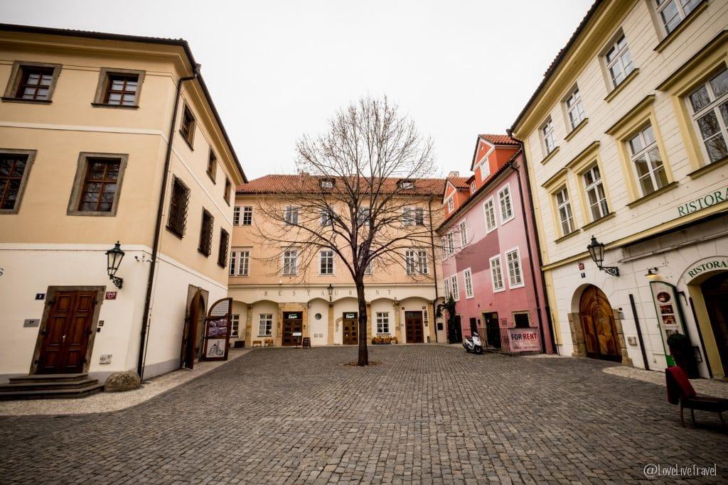 place Ungelt Prague république tchèque blog voyage lovel
