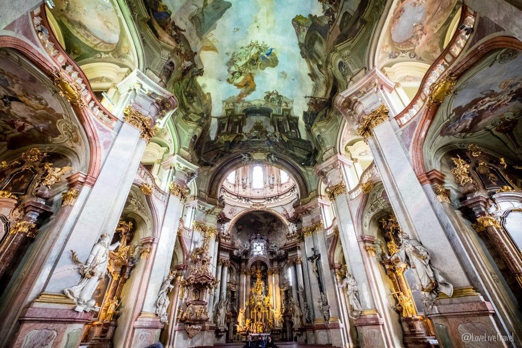 Église Saint-Nicolas de Malá Strana Prague république tchèque blog voyage lovelivetravel
