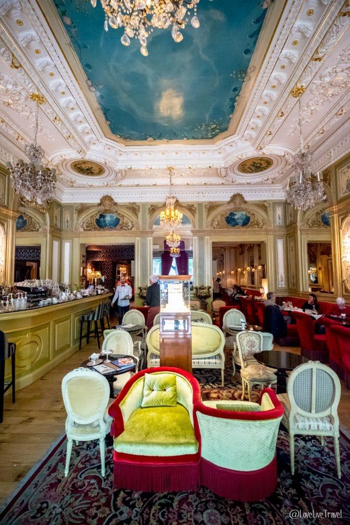 Nîmes Gard napoléon France blog voyage lovelivetravel