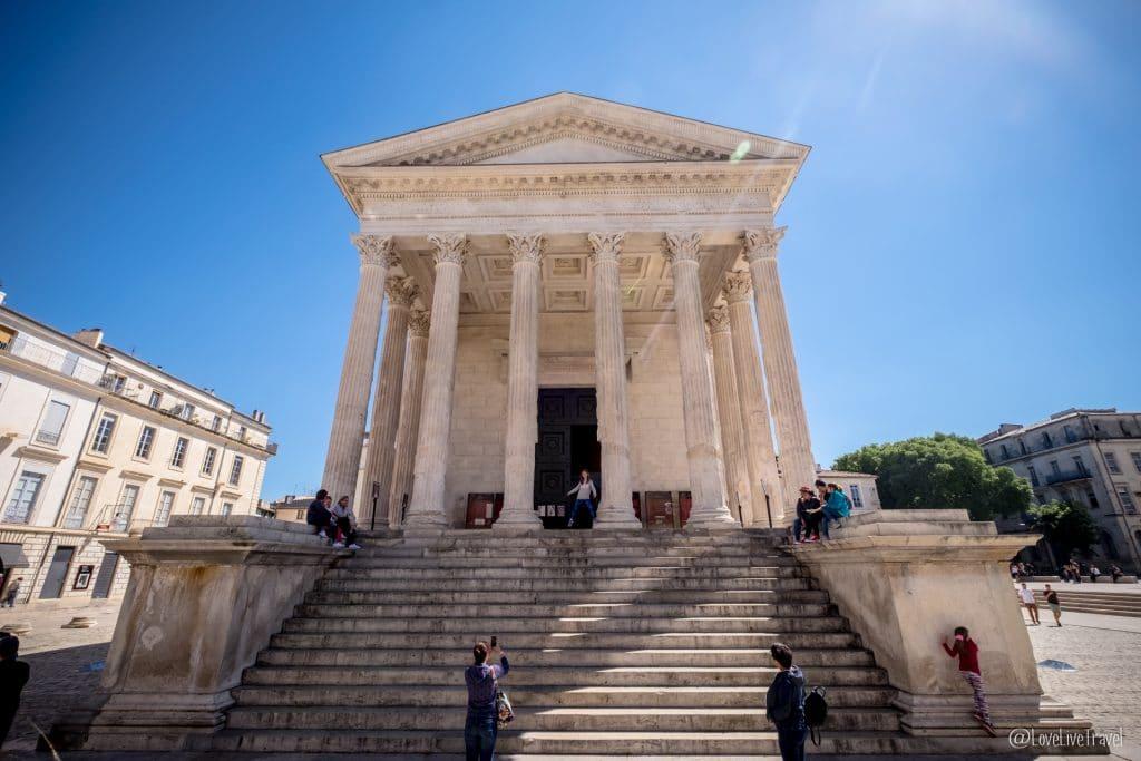 Nîmes Gard tour carrée France blog voyage lovelivetravel