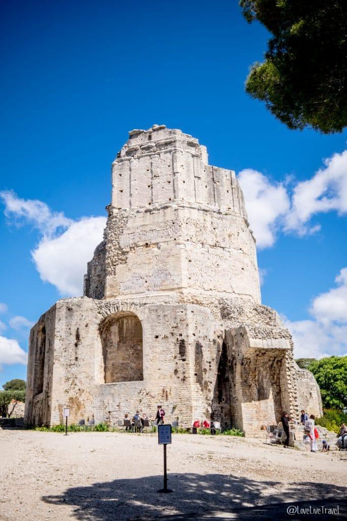 Nîmes tour magne Gard France Jeux romains blog voyage lovelivetravel