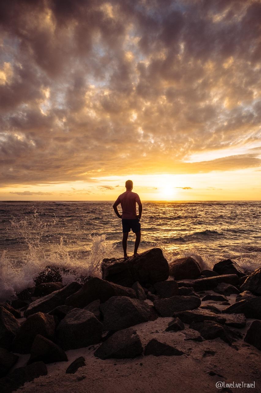 anse kerlan coucher soleil praslin seychelles blog voyage lovelivetravel