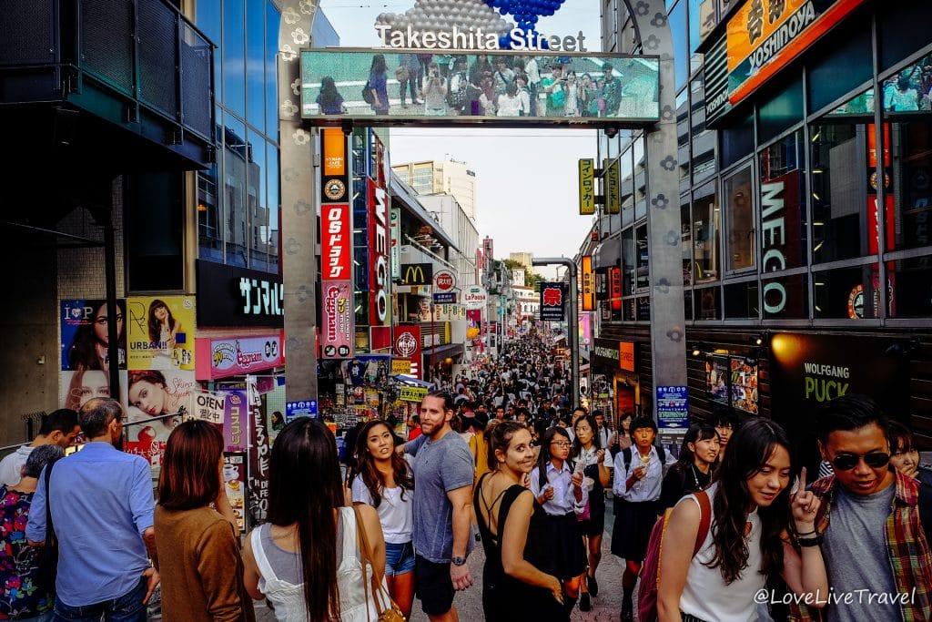 5 jours pour visiter Tokyo Takeshita dori Japon blog voyage Lovelivetravel