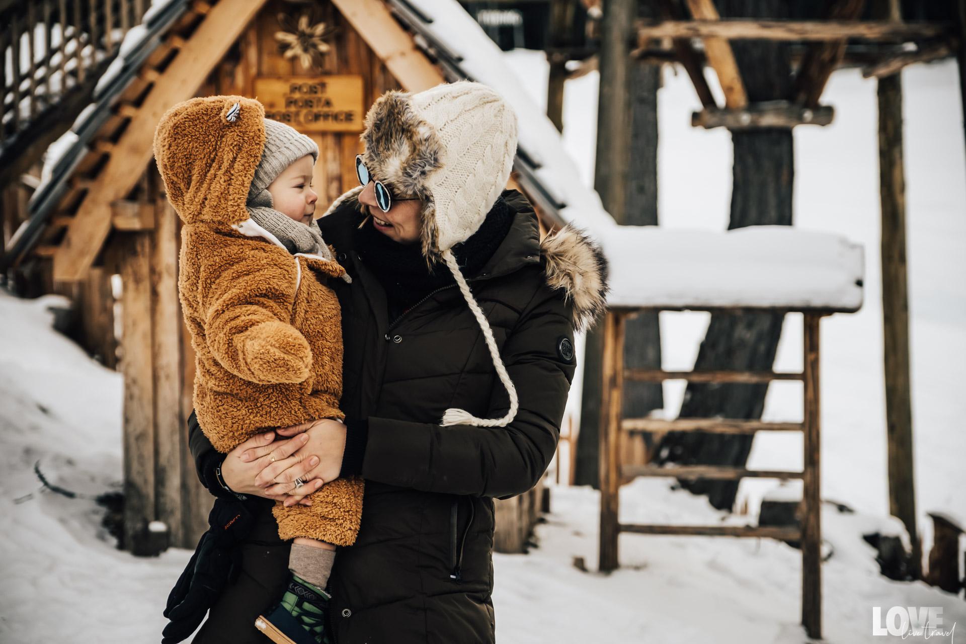 Nos conseils pour partir à la montagne avec un bébé
