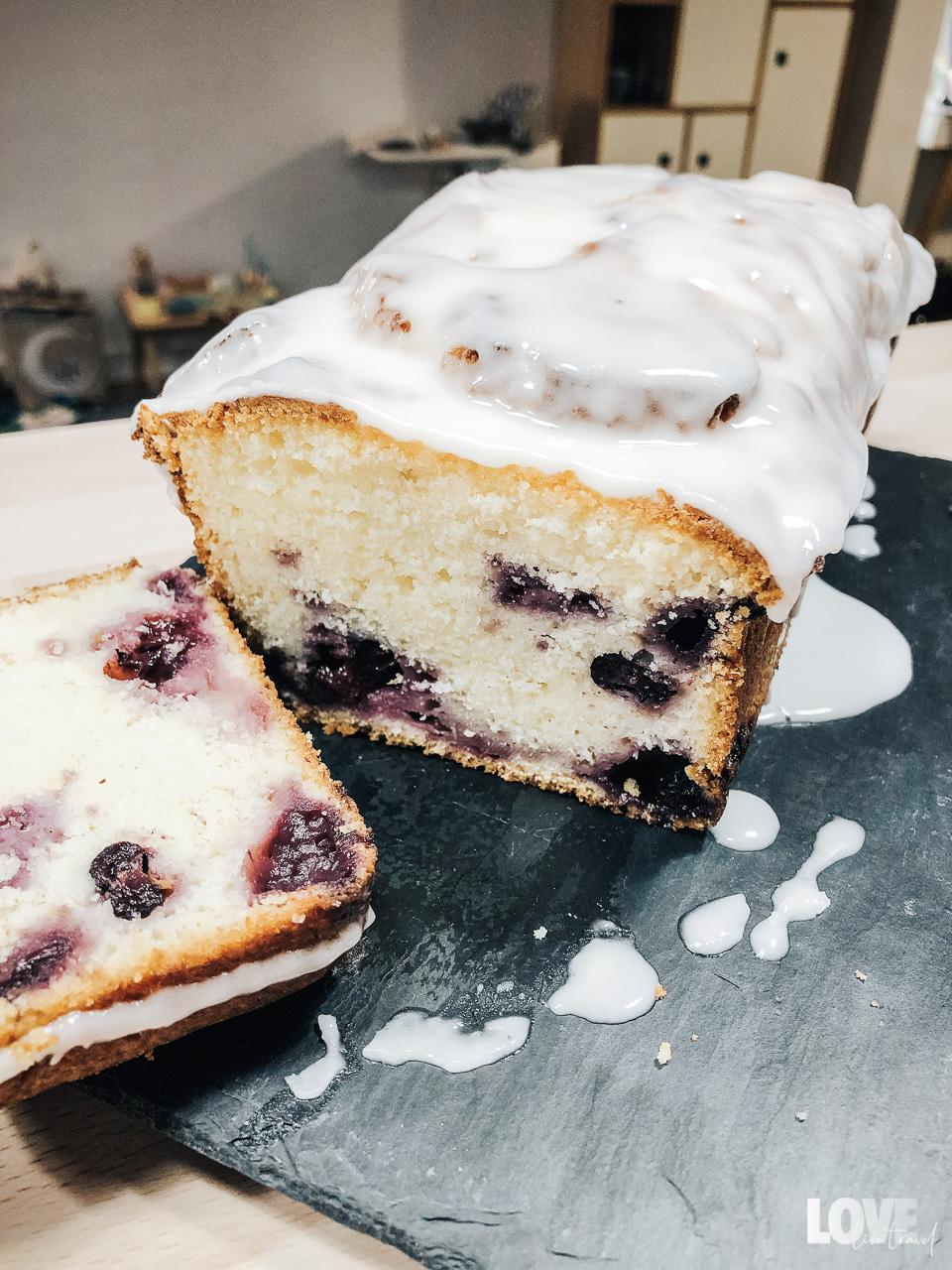 Recette du cake au citron et myrtilles blog voyage et lifestyle lovelivetravel