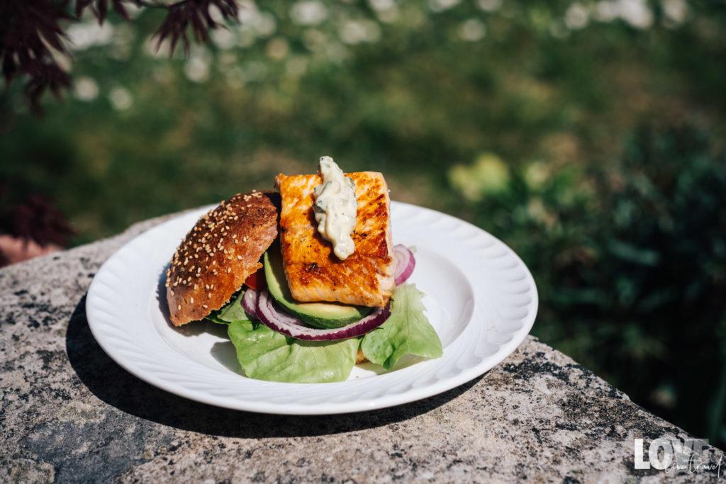 Recette des burgers au saumon blog voyage lifestyle lovelivetravel